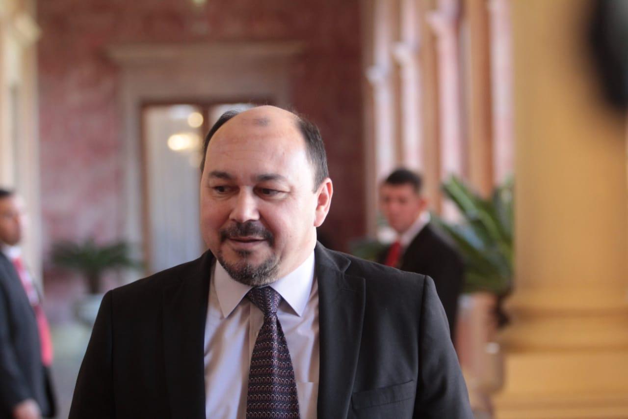 Mayoría de importadores expresan apoyo al director de Aduanas, Julio Fernández - La Clave